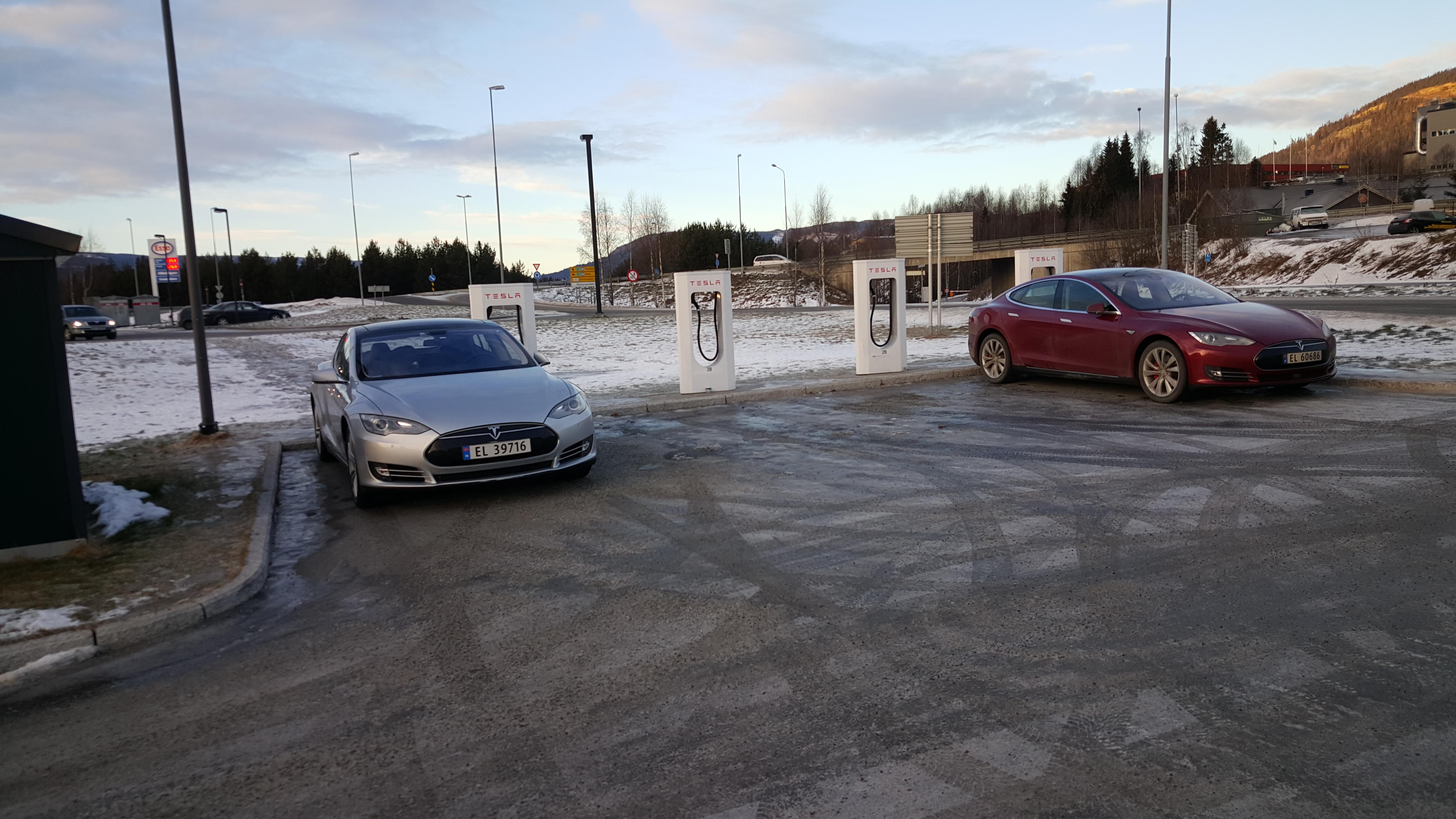 Tesla Supercharger Lillehammer
