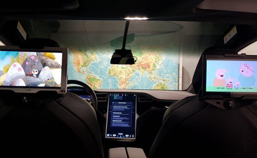 Holder til Nettbrett i Tesla