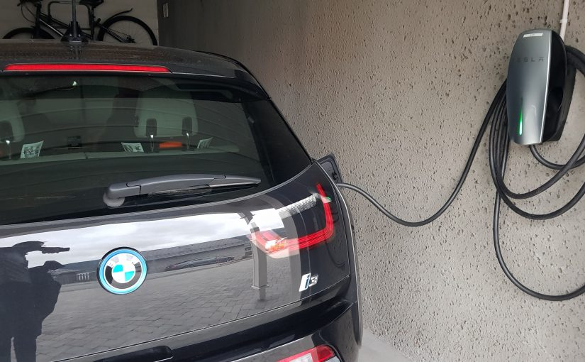 Lade BMW i3 på Tesla Wall Connector